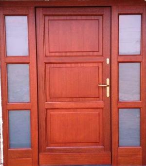 drzwi zewnętrzne nr 1 kasetonowe